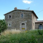 Exterior view of restored country house Casale Antignano near Bevagna: restored country house for sale in Umbria, Italy