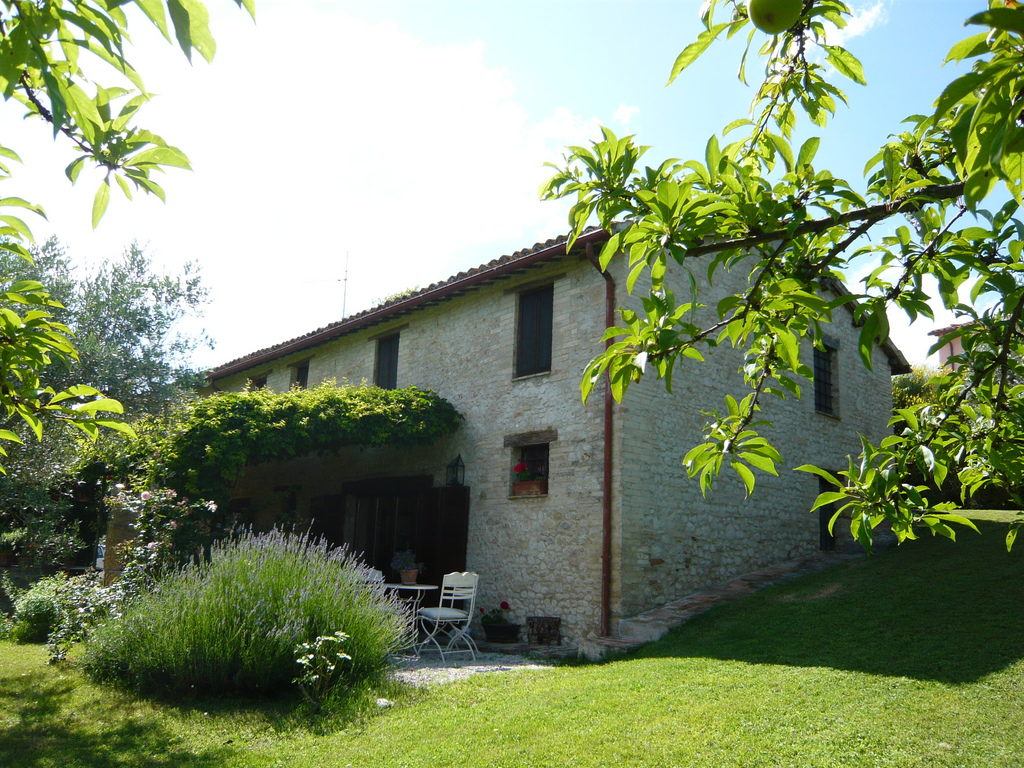 Country House For Sale Near Montefalco Umbrian Property